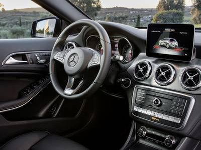 https://cdn.drivek.it/configurator-imgs/cars/de/400/MERCEDES/GLA/30584_CROSSOVER-5-DOORS/mercedes-benz-interior.jpg