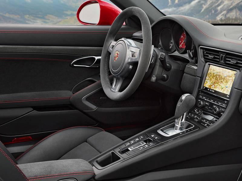 Alfa Romeo 4C Spider 2016 review  Auto Express