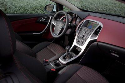 Configuratore nuova Opel Astra GTC e listino prezzi 2016