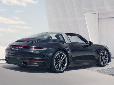 2022 Porsche 911 Targa