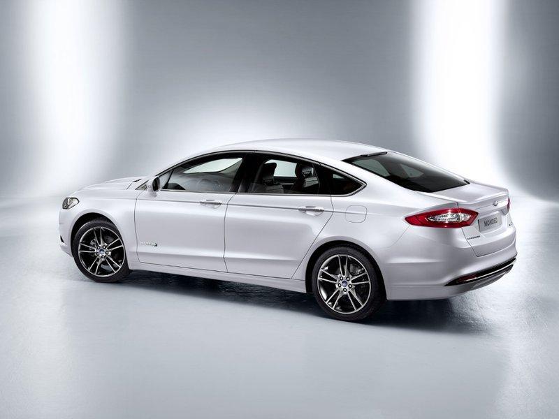 Ford Mondeo 4 porte
