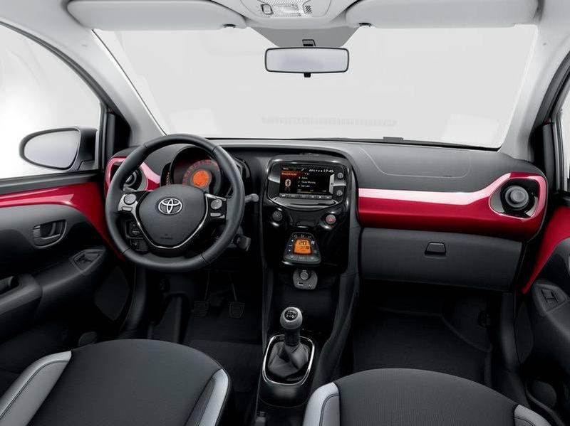 Configuratore nuova toyota aygo e listino prezzi 2018 - Toyota aygo interior ...