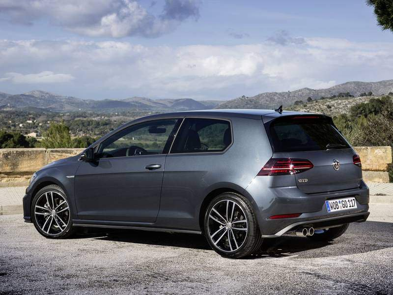 configuratore nuova volkswagen golf gti 3 porte e listino. Black Bedroom Furniture Sets. Home Design Ideas