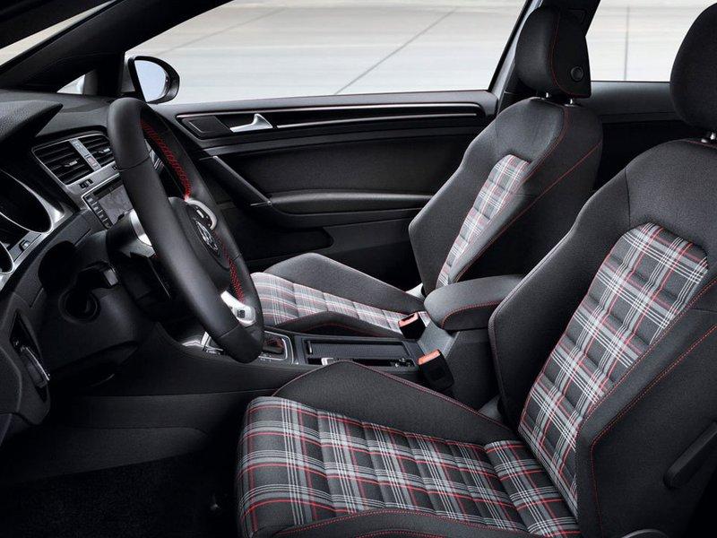 Volkswagen Golf GTI 3 porte