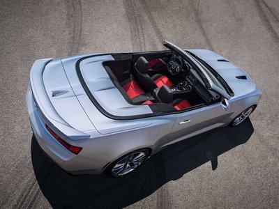 Chevrolet Camaro Convertible News And Reviews Motor1 Com