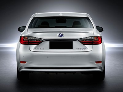 2017 Lexus ES Hybrid